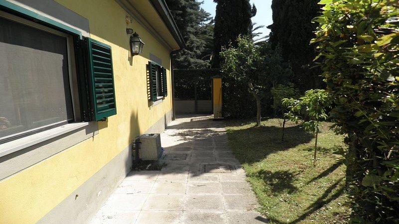 Casa confortevole e fresca natura e mare in Toscana Golfo di Baratti, vacation rental in Piombino