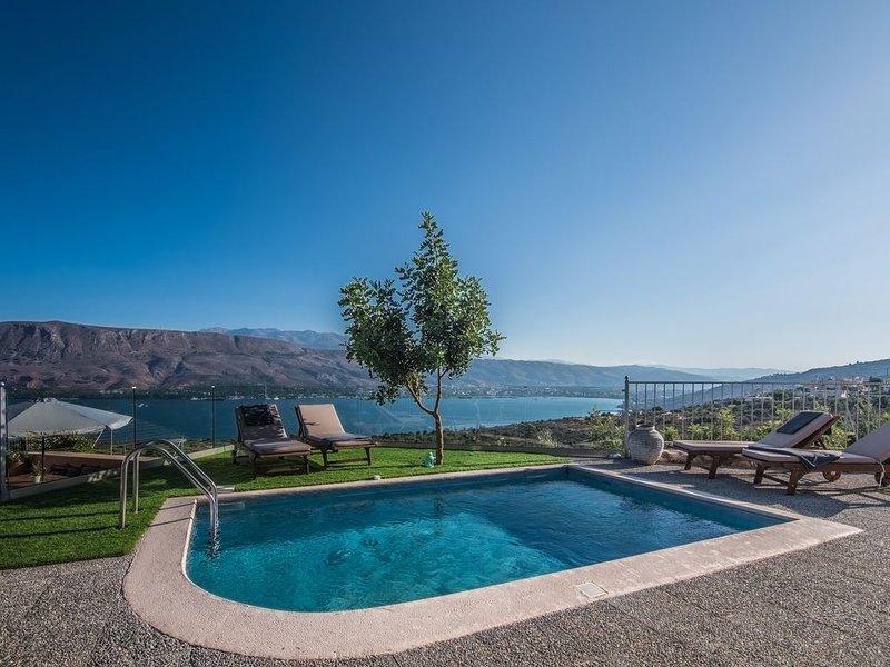 Villa Istros I, Amazing Sea Views of the infinite blue! Close to the beach!, holiday rental in Akrotiri