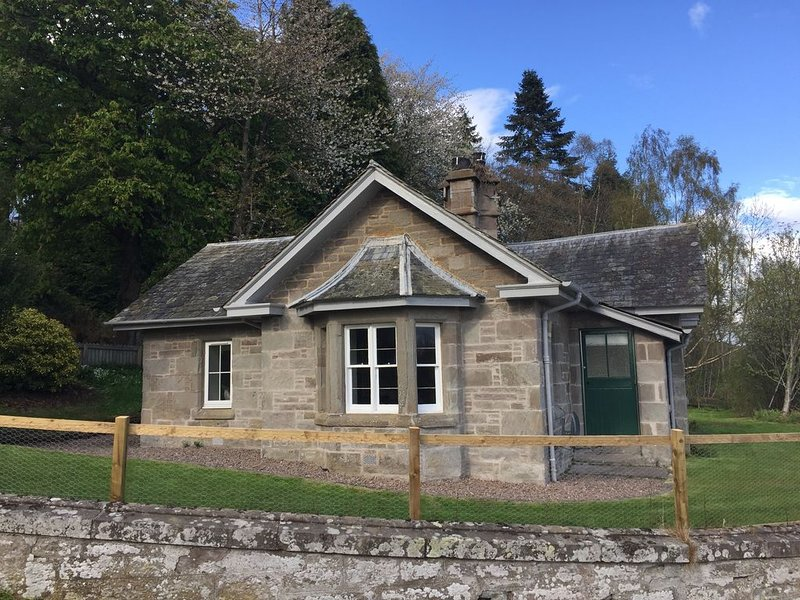 Refurbished Cottage in the countryside , 5 min from Perth