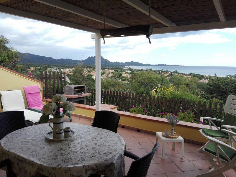 a soli 300m dal mare villetta con terrazza panoramica sul mare 4 posti letto, vacation rental in Costa Rei