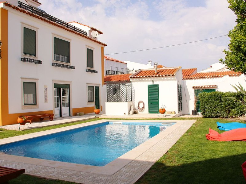 VILLA REIS BOUTIQUE HOUSE GOLEGÃ, location de vacances à Constancia