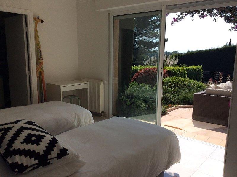 Villa avec Piscine dans un domaine privé à Valbonne -, location de vacances à Valbonne