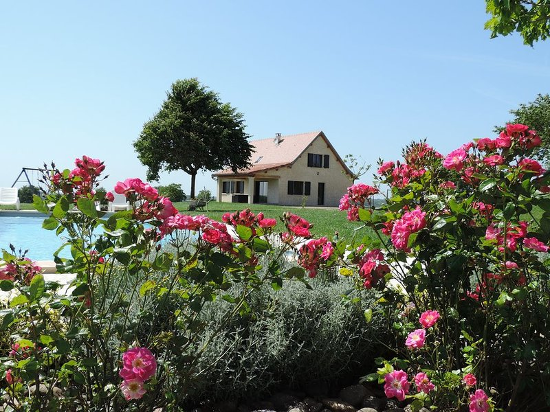 location saisonnière gîte à la campagne, holiday rental in Le Bourg