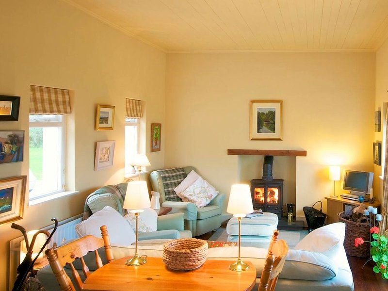 Peaceful, Comforable Cottage, holiday rental in Ramelton