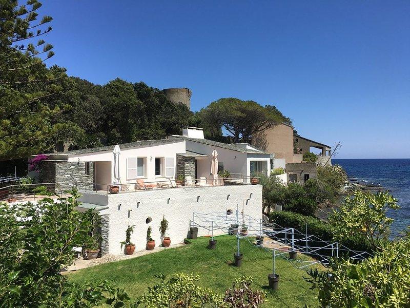 Belle villa les pieds dans l'eau, Cap Corse, holiday rental in Macinaggio