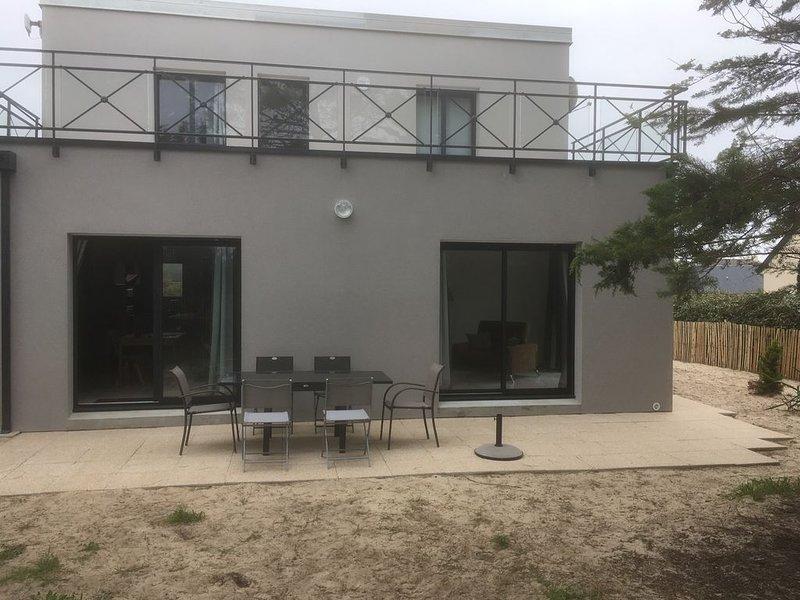 Belle villa *** à deux pas de la plage, confortable et moderne, holiday rental in Saint-Lo-d'Ourville