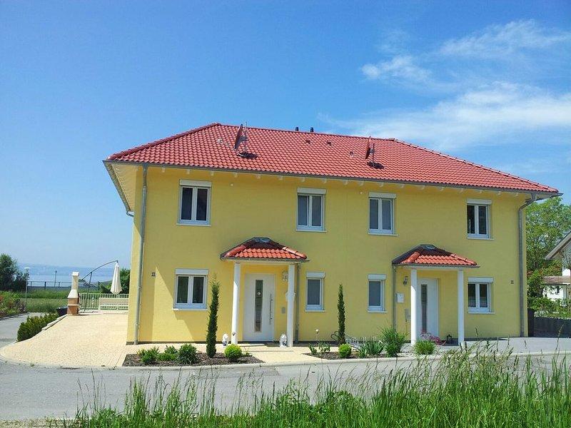 Toskana Villa mit herrlichem Blick auf den See und die Berge, location de vacances à Grasbeuren