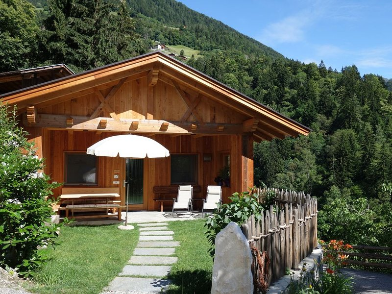 Neuerrichtetes Hofchalet in ruhiger Lage, holiday rental in Province of South Tyrol