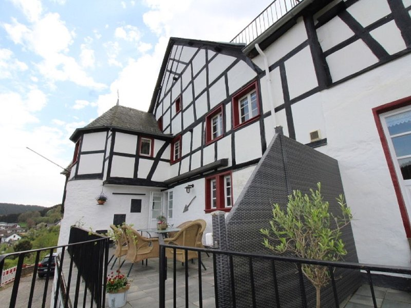 NEUES Ferienobjekt: Urlaub für Individualisten in einer historischen Anlage, location de vacances à Schleiden