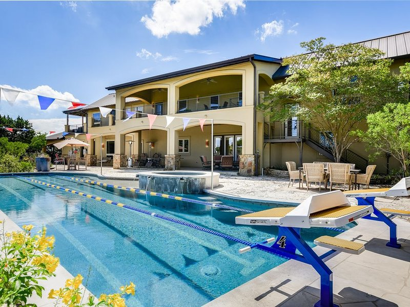 AUTHENTIC ATX EXPERIENCE   Pool Spa   Up to 15Beds   Private Lake I 2 Casitas, holiday rental in West Lake Hills