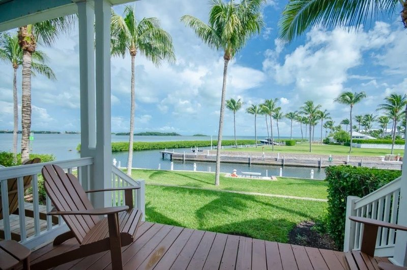 Indigo Reef Resort, Villa 9 with Complimentary Dockage - Lacking Vitamin Sea?, holiday rental in Grassy Key