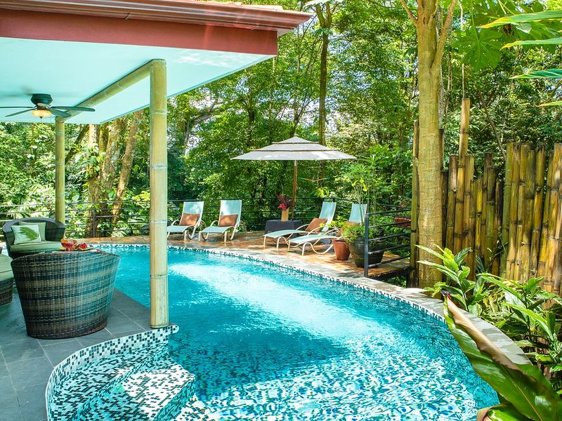 Private Gated Community Rainforest Gem 2BR Aracari Villa with Private Pool. Week, vacation rental in Quepos