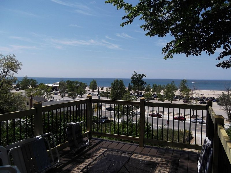 Spacious Home with a Million Dollar View of Lake Michigan!, holiday rental in Grand Haven