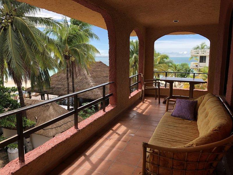 Nautibeach Condo #33, holiday rental in Playa Mujeres