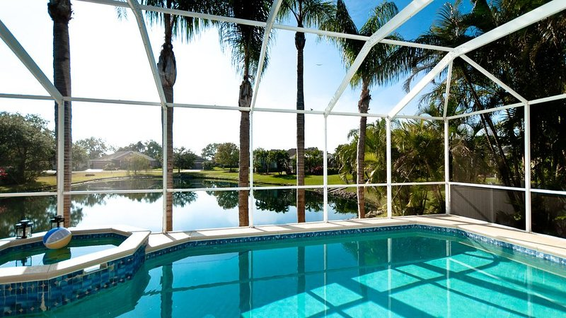 Villa Lakeview - Private Pool And Just Minutes To The Beach, holiday rental in Bradenton