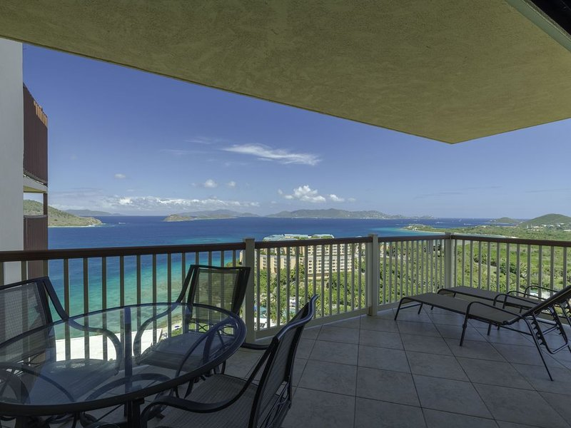 Virgin Island View II - Remodeled, Wrap Around Balcony with Magnificent Views!, alquiler de vacaciones en Smith Bay
