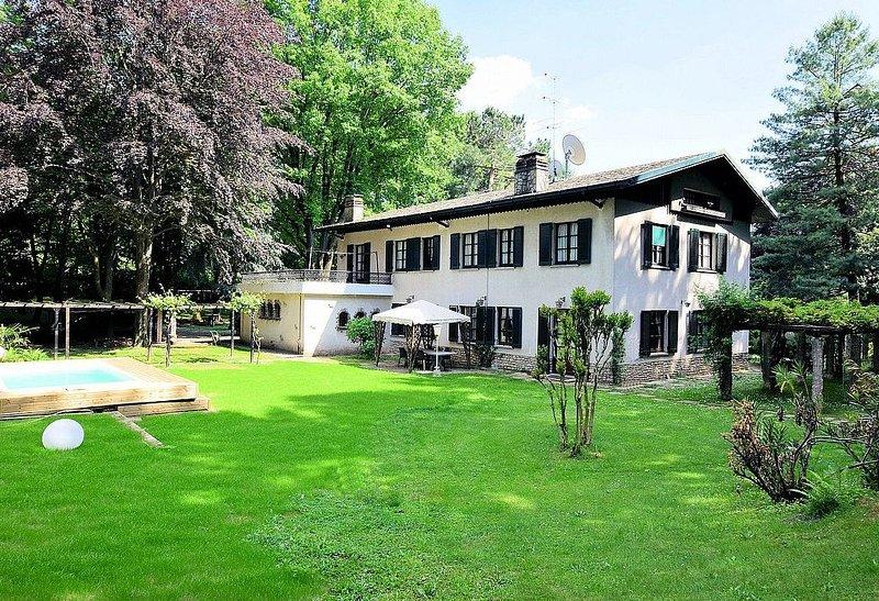 Villa Nausica, rimborso completo con voucher*: Una elegante ed accogliente villa, location de vacances à Villa D'Adda