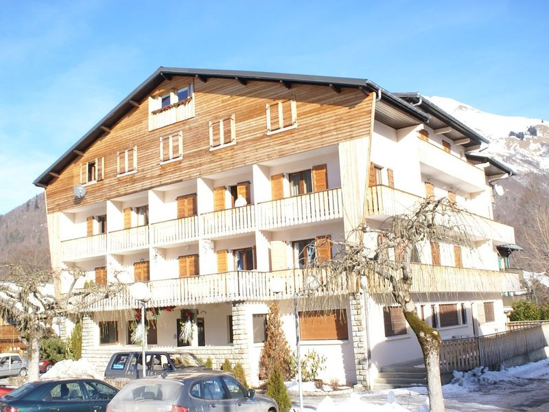 SPACIOUS 3 ROOMS WITH NICE FITTINGS, holiday rental in La Cote-d'Arbroz