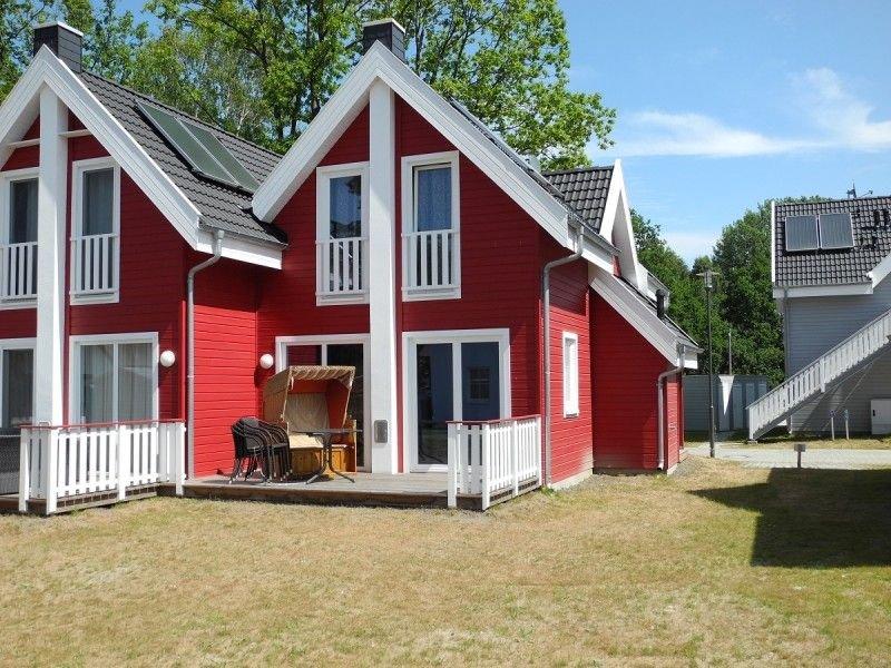 Traumhafte Doppelhaushälfte mit Infrarotsauna, Whirlpool, Kamin, strandnah, holiday rental in Neuenkirchen