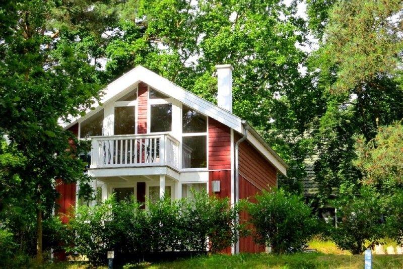 Ferienhaus in Strandnähe mit Whirlpool, Sauna, Internet, Kamin inkl. Brennholz, location de vacances à Ile de Rügen