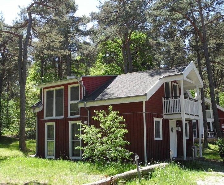 Ferienhaus Dünenwald: Ruhiges Haus mit  Sauna, Badewanne und Kamin, location de vacances à Ile de Rügen