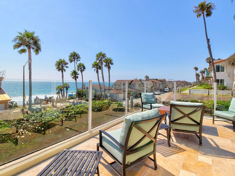 Upscale dog-friendly house w/ ocean view & beach access - great for families!, alquiler de vacaciones en Oceanside
