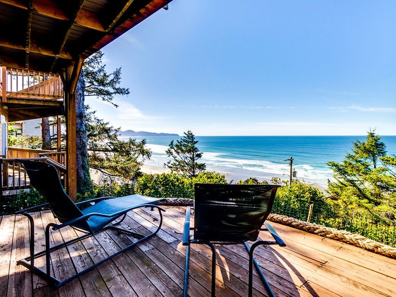 Cozy house w/ sweeping ocean views and convenient, nearby beach access!, holiday rental in Cape Meares