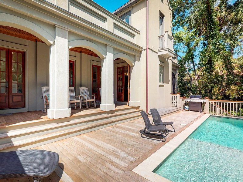 Multi-level home w/private pool, lanai & enclosed deck-beach nearby, alquiler vacacional en Fenwick Island