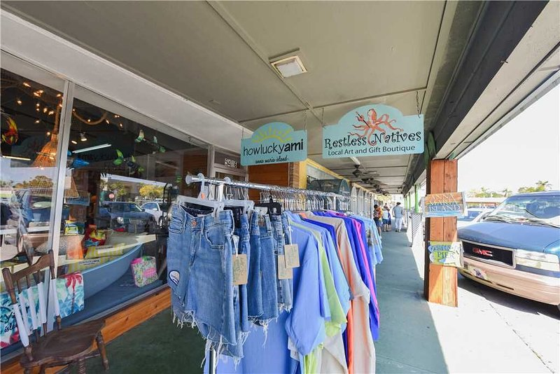 Shops Around Anna Maria Island