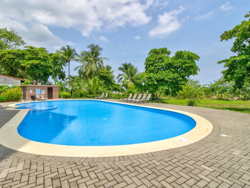 Enjoy the shared pool located outside