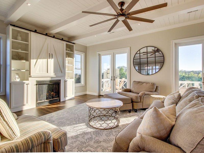 Coast Guard Beach cottage with ocean views and private heated pool!, alquiler de vacaciones en Brunswick