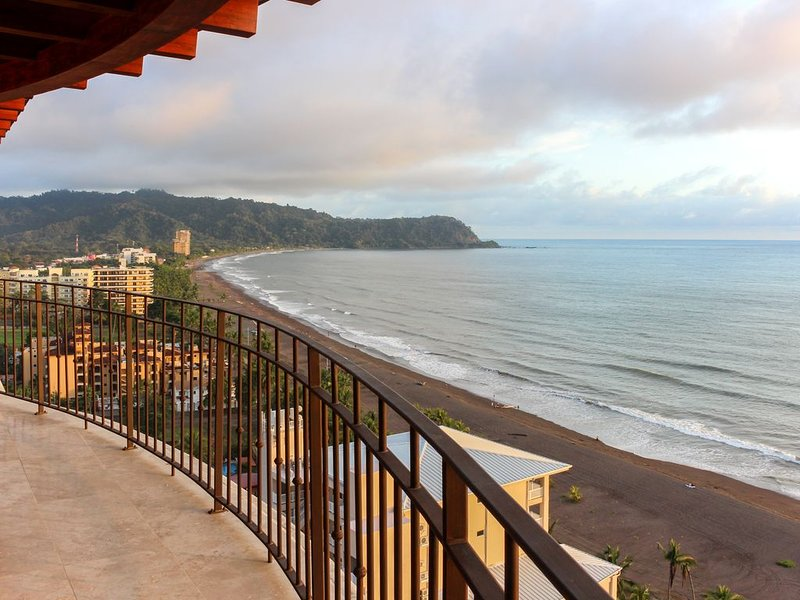 Waterfront, modern condo w/ ocean views & shared pool, vacation rental in Jaco