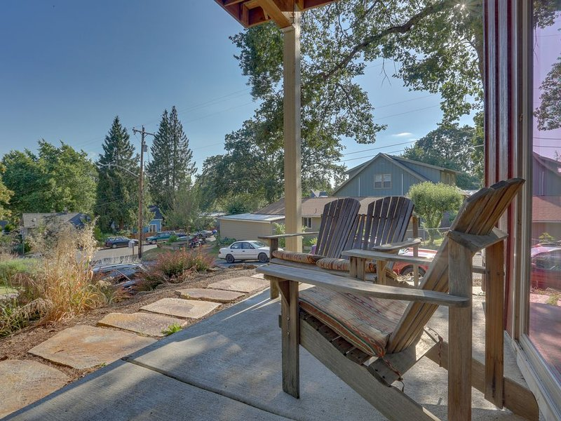 Cozy retreat w/ prime location - close to river adventures, dogs OK, holiday rental in White Salmon