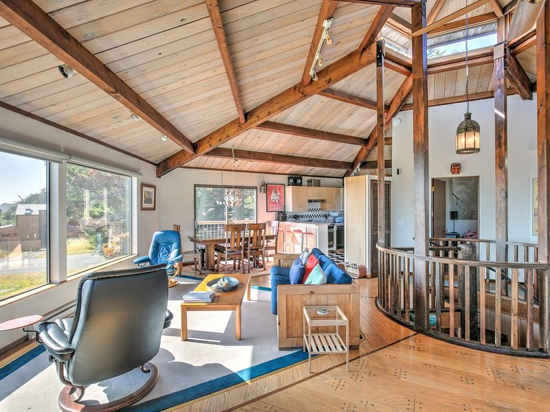Oceanview & dog-friendly home w/ private hot tub plus pools & tennis access – semesterbostad i The Sea Ranch