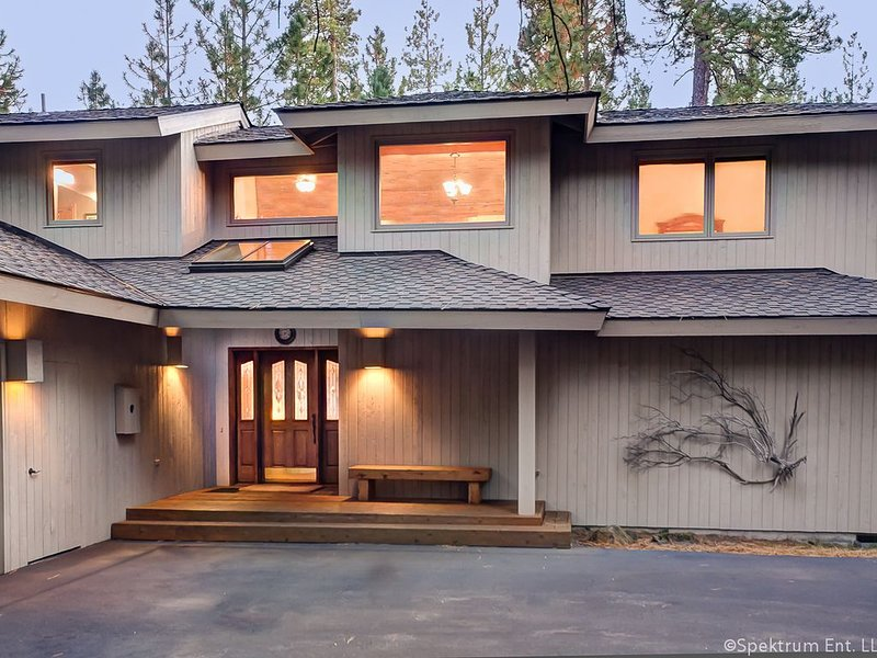 GM#402 Impeccable Home, Large Home Site, holiday rental in Black Butte Ranch