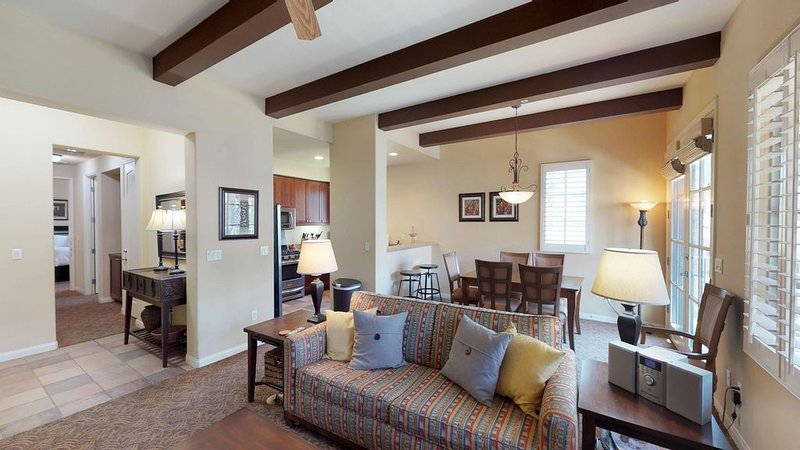 An Upstairs Two Bedroom, Two Bath Close to the Main Pool Area and Clubhouse!, holiday rental in La Quinta