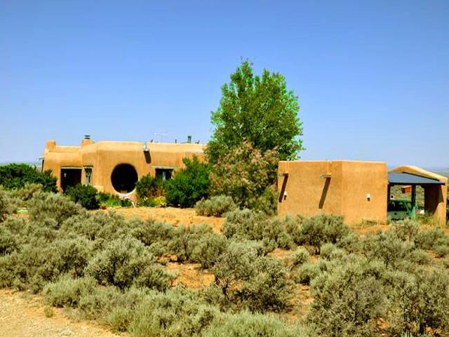 Adobe de Artista 2 - Semi Secluded Million Dollar Views with Private Hot Tub, holiday rental in Arroyo Hondo