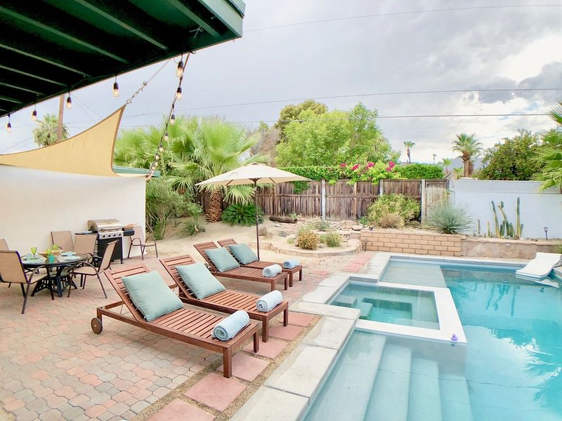 Mid-Century Retreat with New Saltwater Pool and Spa, holiday rental in Cathedral City