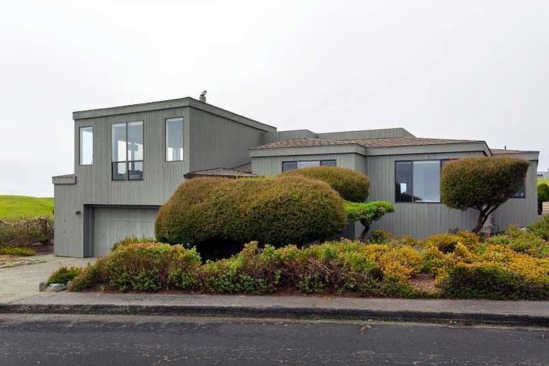 Latitude 38 ~ Stunning home in the South Harbour, alquiler de vacaciones en Bodega Bay