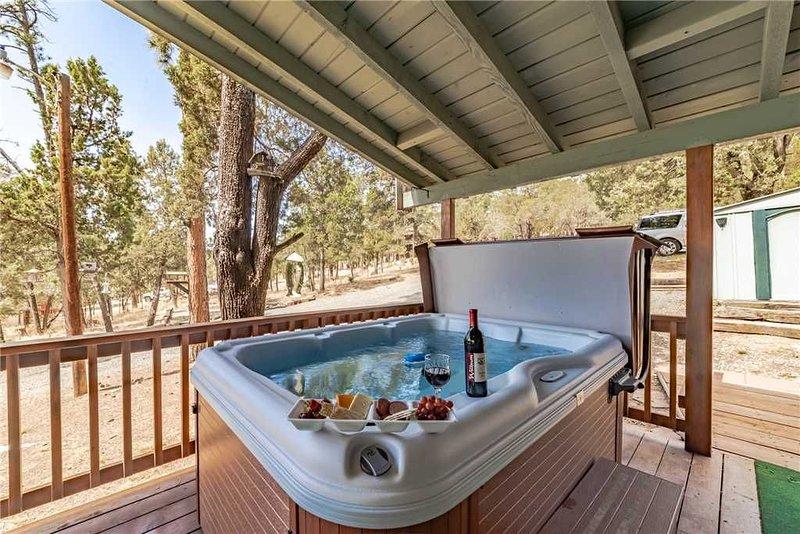 Wild Horse Retreat, 2 Bedrooms, Fireplace, WiFi, Hot Tub, Sleeps 6, alquiler vacacional en Nogal