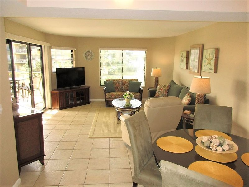 Perfect for families, Colony Reef Club Condo sleeps 8, vacation rental in Crescent Beach