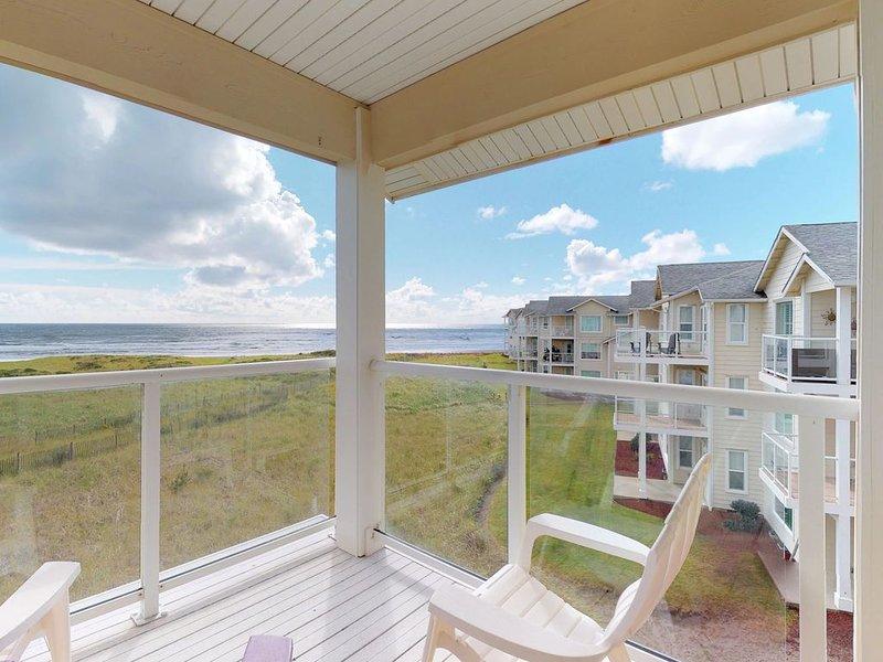 Dog-friendly, waterfront condo w/private washer/dryer, free WiFi, & ocean views, location de vacances à Westport