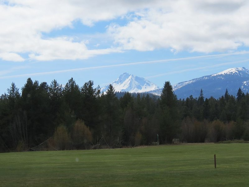 Picture perfect views of Black Crater and the North Sister