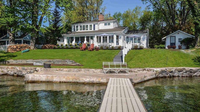 Lake Vista: Lakeside Luxury, location de vacances à Rushville