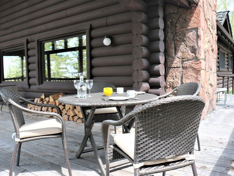 Enjoy the Privacy of a Lost Creek Cabin - Book for Your Retreat Today!, location de vacances à Moose