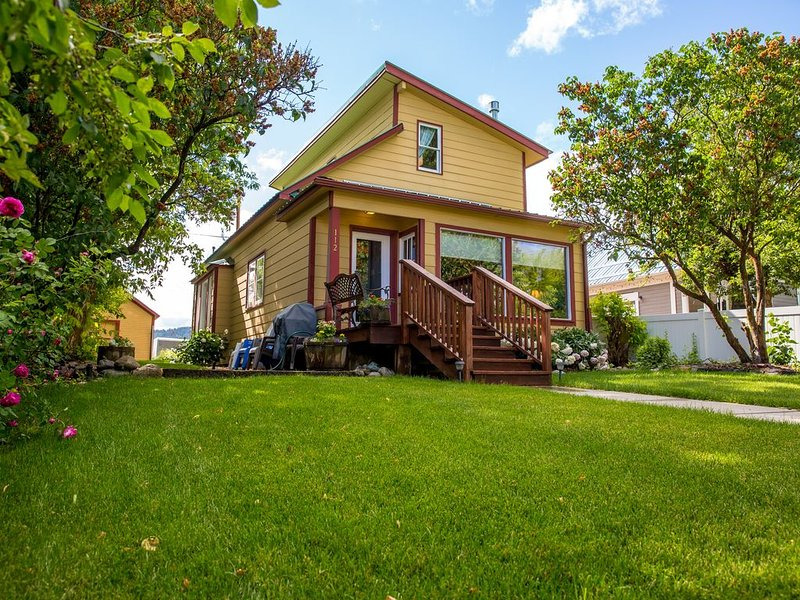 Whitefish Downtown Classic home!!, holiday rental in Whitefish