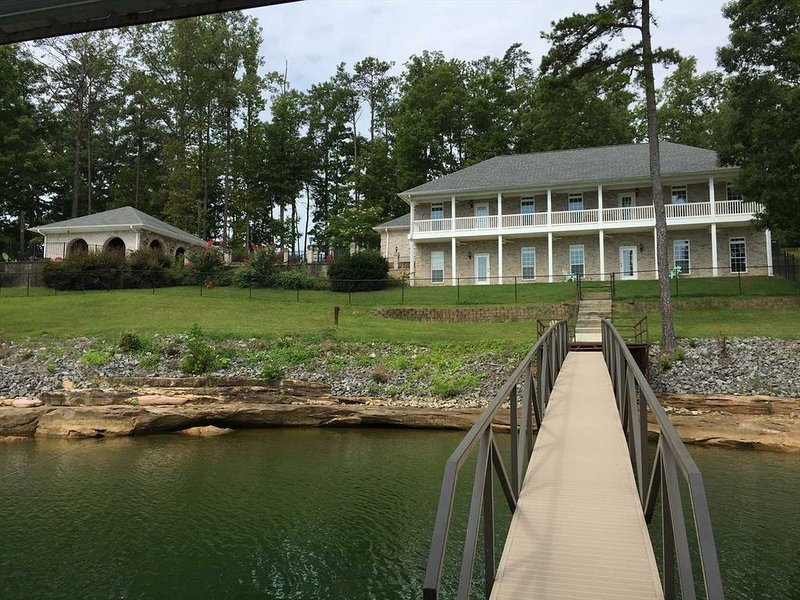 Smith Lake Rentals & Sales - LAKE LIFE 105 - Private pool overlooking the lake, vacation rental in Jasper