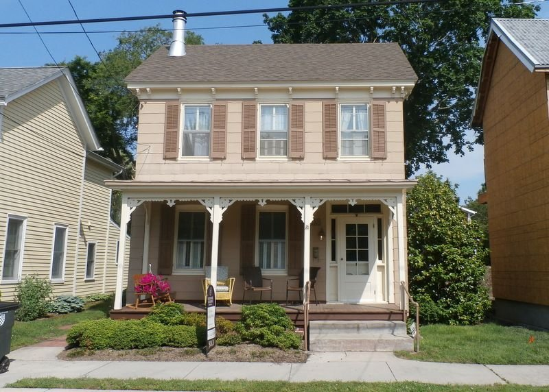 Historic home in downtown Lewes with PRIVATE POOL and is also pet friendly!, vacation rental in Lewes