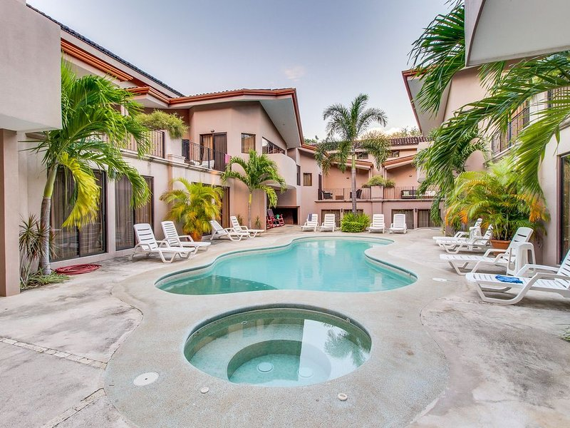Family-friendly beachside getaway with a shared pool, fitness center, and tennis, vacation rental in Playas del Coco