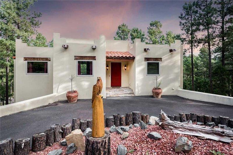 Eagle's Rest, 4 Bedrooms, Sleeps 8, Pool Table, Fireplace, alquiler vacacional en Nogal